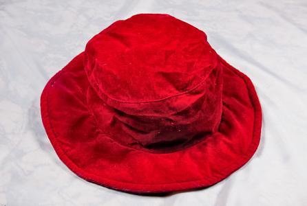 Шляпа велюровая