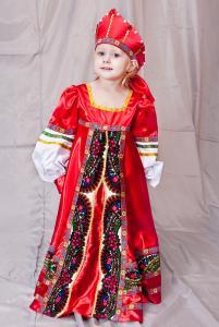 Русский с вышивкой